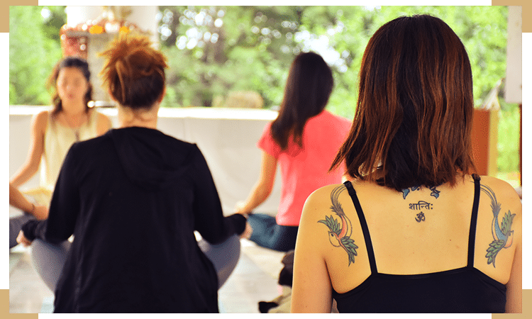100-hour-yoga-course-in-rishikesh-india